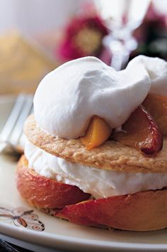 Roasted fruit, pastry and whipped cream are combined just before serving, to avoid any possibility of a soggy crust.#peachrecipes #peaches #brunch Peach Pie Recipes, Cream Recipes, Wine Recipes, Tart Recipes, Summer Desserts, Just Desserts, Dessert Recipes, Summer Pie, Summer Food