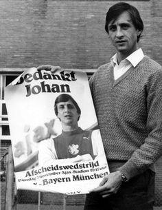 Johan Cruijff (Ajax Amsterdam) Good Soccer Players, Football Players, Afc Ajax, Could Play, Vintage Football, The Old Days, Sport Football, Fc Barcelona, Netherlands