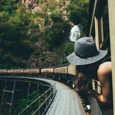 Que si algún día miras hacia atrás sea para ver el camino recorrido