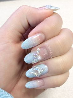 emiii-chan: This weeks wintery(?) nails