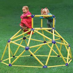 The instant geodesic dome let's you bring all the fun of the playground to the comfort of your own backyard. This mini jungle jim sets up in a snap and provides a fun and safe environment for your tots to frolic around in until they run out of energy. Pvc Pipe Crafts, Pvc Pipe Projects, Backyard Playground, Children Playground, Cat Playground, Playground Ideas, Jungle Gym, Geodesic Dome, Outdoor Play