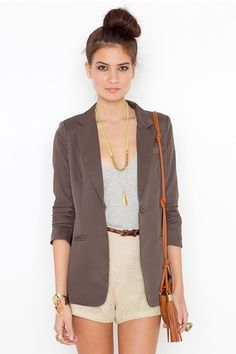 this blazer is sublime. and the general colour palette of the outfit is just lovely