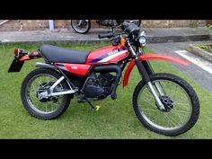 moto dt 175 yamaha - YouTube Dt Yamaha, Motos Yamaha, Yamaha Motorcycles, Old Bikes, Dirt Bikes, Enduro Motorcycle, Classic Bikes, Vintage Bikes, Vintage Racing