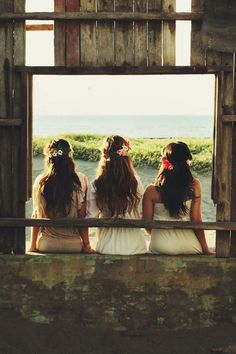 I want me and my maid of honors to someday take a picture like this....#PerfectMoment  #Priceless
