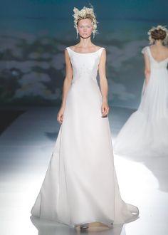 Vestido de novia, modelo Manila de la colección de Vitorio y Luccino 2014.  www.sanpatrickgranada.es