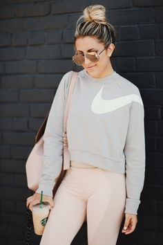 Sporty Outfits, Nike Outfits, Athletic Outfits, Looks Academia, Workout Attire, Workout Outfits, Athleisure, Fitness Fashion, Clothes For Women