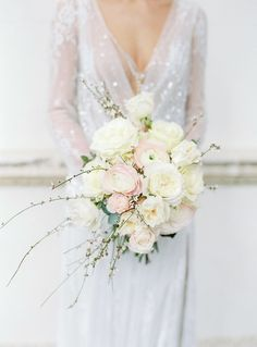 Blush and ivory luxury Spring bridal bouquet for this Chiswick House Editorial Project | Planner & Stylist: Vanilla Rose Weddings | Photography: Julie Michaelsen