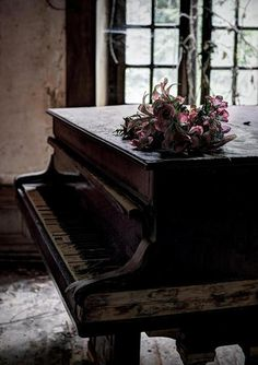 Old Time Love Story: Beautiful pianist, unattainable lover, house abandoned and haunted by pianist, who still plays all her songs that remind her of her lover...