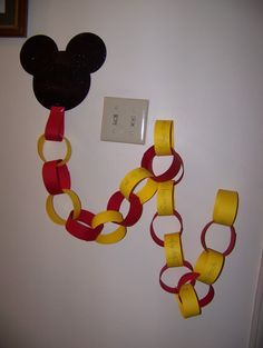 Love, love, love this so much, I'm finishing up my own right now!  Disney countdown chain....75 days out for me, lol!