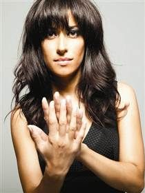 Ana Moura (Fado) The Rolling Stones, Portuguese Culture, Film Books, Jazz, Portugal, Stylists, Singer, Long Hair Styles, People