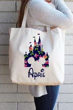 These personalized canvas tote bags are a practical and clever way to collect character autographs at Disney parks or on a Disney cruise! Use to carry belongings and fold up for easy packing! #affiliate #disney