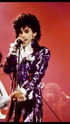 Prince Costume Purple Rain, Prince Purple Rain, Prince Images, Prince Gifs, Music Genius, Paisley Park, Roger Nelson, Prince Rogers Nelson, Purple Reign