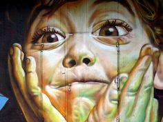 Street art - by graffiti artist collective GRACO - Berlin, Germany Street Art Berlin, Street Art Banksy, Graffiti Wall Art, Ephemeral Art, Urbane Kunst, Sidewalk Chalk Art, Building Art, Famous Art, Stencil Art