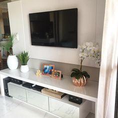 Trendy home sala bedrooms Ideas Narrow Living Room, Living Room Grey, Home Living Room, Living Room Designs, Home Bar Sets, Bars For Home, Tv Wall Decor, Room Decor, Tv Wanddekor