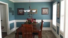 Paint color Glidden Blue Forest/ Teal Dinning Room