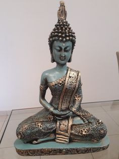 Peça de Rosemeire Ramos Caofaglio Wedding Mehndi Designs, Buddha Sculpture, Buddha Zen, Spa Massage, Feng Shui, Antiques, Creative, Plaster Crafts, Diy And Crafts