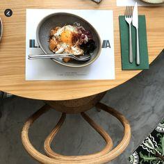 25 restaurantes imprescindibles de Madrid para darse a la buena vida pagando muy poco. Actualizado a febrero de 2018.