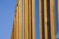 Nautical sports services building. Wood slats facade. Architecture and sea / Club náutico de Portonovo: para saber más sobre este proyecto de Diaz y Diaz Arquitectos accede a http://www.galarq.com/edificio-de-servicios-nautico-deportivos-de-portonovo/