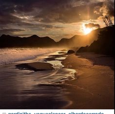 Rio de Janeiro - Brasil, I love oceans and beaches What A Wonderful World, Beautiful World, Beautiful Images, Beautiful Things, Photography Beach, Inspiring Photography, Reflection Photos, Beach Vibes, Surf