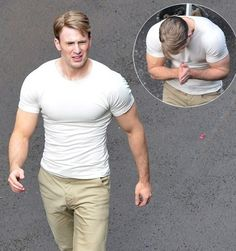 Learn how Chris Evans gained 30 lbs of muscle for his Captain America role. Check out the workout interview with his trainer here! Fitness Diet, Fitness Goals, Mens Fitness, Workout Fitness, Health Fitness, Captain America Workout, Captain America Body, Chris Evans Captain America, Workout Diet Plan