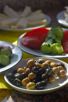 Olives, cucumber, tomatoes, yogurt and cheese on board a sailboat along the Turkish coast is pretty much the perfect way to start the day. Breakfast Around The World, Turkish Breakfast, Turkey Holidays, Delicious Magazine, Turkish Recipes, Learn To Cook, Food Styling, Tea Time, Great Recipes