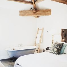 """stylonylon on Instagram: """"One of the gorgeous Coach House hayloft rooms at @middletonlodge ✨ see blog for all the pics & our amazing stay there stylonylon.com"""""""