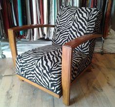 fauteuil art dco refait dans un style trs en vogue dans les annes 30 et revenu - Tapissier Fauteuil