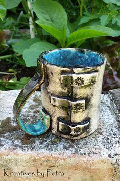 kleine Trinktasse aus Keramik...für Tee oder Kaffee ...von kreativesbypetra   #Keramik #ceramik #ton #töpfern #töpferei #DIY #handmade #handgefertigt #Handwerk #kunstwerk #Unikat #geschenk #present #pottery #schale #räucherschale #räucherkegel #Glasur #glaze #glasurbrand #Esoterik #spirituell #Spiritualität #duft #düfte #botz #plattentechnik #tee #tea #kaffee #coffee #cup #trinkbecher #love #heart