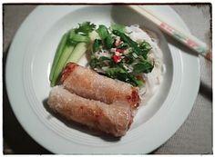 Das Rezept für vietnamesische Frühlingsrollen, das ich von meiner Mutter gelernt habe, möchte ich heute mit euch teilen. Die Frühlingsrollen sind der