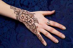 simple henna arabic eid mehndi designs 2014 for hands Simple Arabic Henna Eid Mehndi Designs 2014 For Hands Images