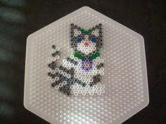 Chaton Kitty hama perler by mamypapou | CATS | Pinterest