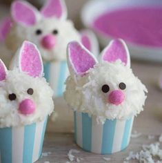 Looking for Easy Easter Bunny cupcake ideas for kids? These Easter Bunny Cupcakes are really easy to make and taste so delicious Easter Snacks, Easter Party, Easter Treats, Easter Recipes, Desserts For Easter, Easter Deserts, Bunny Party, Easter Food, Easter Bunny Cupcakes