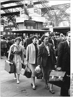 1955 Leipzig autumn fair. Visitors.