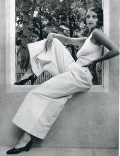 Renee Perle, photo by Jacques Henri Lartigue, Juan les Pins, May, Foto Fashion, 1930s Fashion, Fashion History, Vintage Fashion, Classic Fashion, Classic Beauty, French Fashion, Moda Retro, Moda Vintage