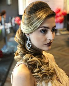 Quinceanera Hairstyles For Mom Wedding Hairstyles – Quinceanera hairstyles for … – Famous Last Words Low Bun Wedding Hair, Simple Wedding Hairstyles, Crown Hairstyles, Ponytail Hairstyles, Cute Hairstyles, Bridal Hair, Medium Hair Styles, Curly Hair Styles, Natural Hair Styles