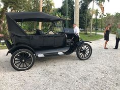 Demonstration of the 1923 Ford Model T by the Edison Caretakers Home  . . . . . . Thomas Edison, Henry Ford, historic site, automobiles, battery, combustion, engines, crank start, Fort Myers, Love Florida Henry Ford, Fort Myers, Ford Models, Historical Sites, Attraction, Antique Cars, Things To Do, Automobile, Florida