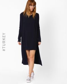 TIFFANY & TOMATO Navy Blue Front-Open Knitted Cape