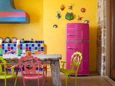 Loving the fridge And the chairs!!!!  so sunny and happy.  Imagine the great mood you'd be in every morning!