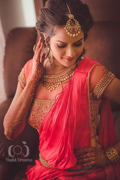 Indian bridal photoshoot photography dress designs 69 ideas for 2019 Wedding Looks, Wedding Wear, Bridal Looks, Bridal Style, Wedding Bride, Wedding Dress, Indian Wedding Outfits, Indian Outfits, Indian Weddings