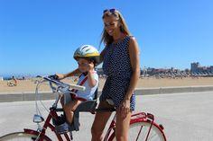 Diana y Kike disfrutando el verano en bici y sillia weeride