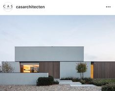 Architektur Simple Simple The post Simple appeared first on Architektur. Minimalist Architecture, Facade Architecture, Residential Architecture, Contemporary Architecture, Flat Roof House, Facade House, Facade Design, Exterior Design, Exterior Tradicional