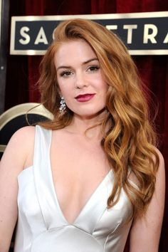 Isla Fisher: Lovely Lady of the Day Isla Fisher, Redhead Hairstyles, Celebrity Hairstyles, Cool Hairstyles, Hot Hair Colors, Red Hair Color, Color Red, Gorgeous Redhead, Super Hair