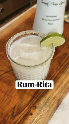 Dessert Drinks, Bar Drinks, Cocktail Drinks, Cocktail Recipes, Alcoholic Coffee Drinks, Whiskey Cocktails, Alcohol Drink Recipes, Coconut Drinks Alcohol, Tropical Drink Recipes