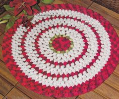 """KNITTING PATTERN RUG """"FUR"""".             An interesting technique of crochet with long loops on heavy canvas gives a ..."""