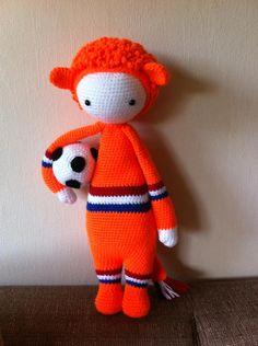 LONI the lion made by Marjan T. / crochet pattern by lalylala