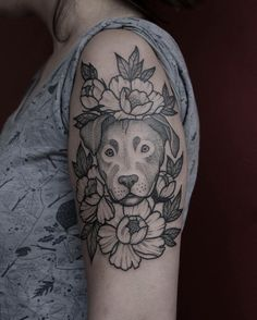 #dogtattoo #blackwork #blacktattoo #blackworkerssubmission #tattoo #dotwork #flowerstattoo