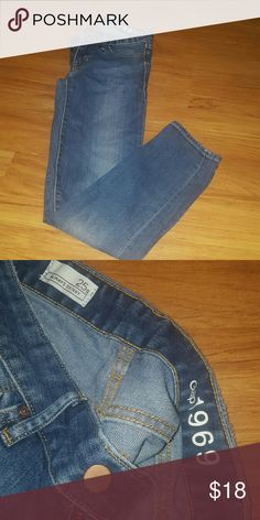 Gap skinny jeans In excellent condition Gap Jeans Skinny