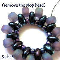 Rivoli Pendant with Twin Beads - good picture tute ~ Seed Bead Tutorials
