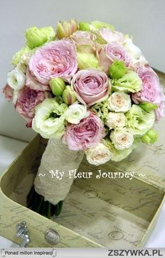 Zobacz zdjęcie Biało-różowy bukiet ślubny z róż i eustomy w pełnej rozdzielczości