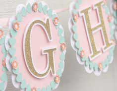 This cute farm banner is sure to be a hit at your next party. *Banner is made out of high quality premium cardstock *multi-layered for a very cute 3d effect. *pennants measures approximately 5 * strung together with beautiful satin ribbon. *Letters are made out of gold glitter